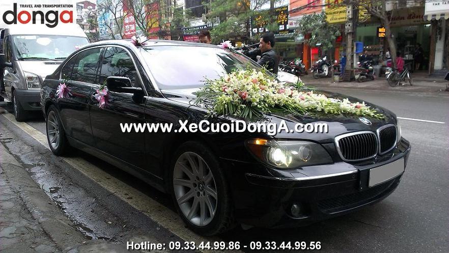 hinh-anh-khach-hang-thue-xe-cuoi-bmw-760li-tai-thai-ha (1)