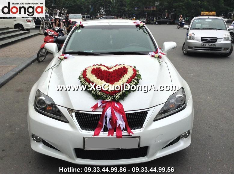 hinh-anh-khach-hang-thue-xe-cuoi-lexus-is250c-mui-tran-tai-hang-chieu (1)