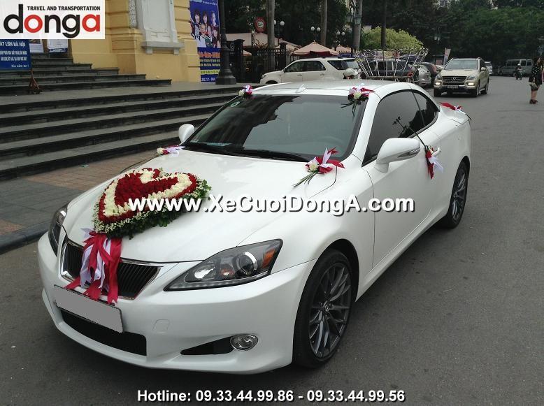 hinh-anh-khach-hang-thue-xe-cuoi-lexus-is250c-mui-tran-tai-hang-chieu (3)