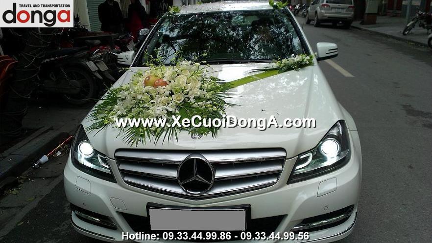 khach-hang-thue-xe-cuoi-mer-c250-trang-tai-my-dinh (1)