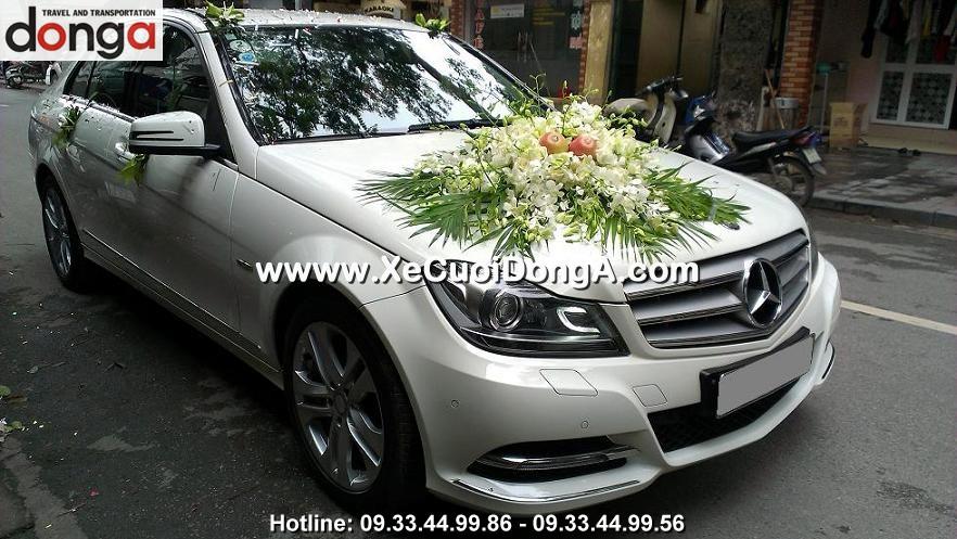 khach-hang-thue-xe-cuoi-mer-c250-trang-tai-my-dinh (2)