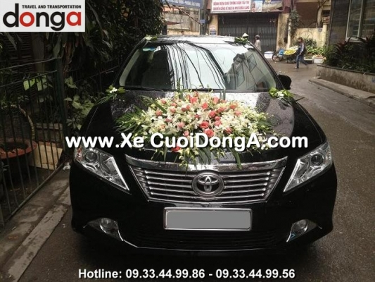 khach-hang-thue-xe-camry-của-cong-ty-dong-a (8)
