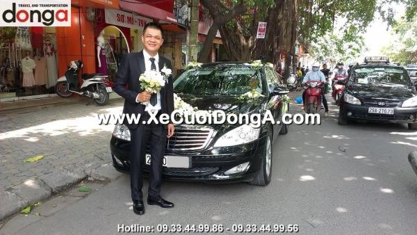 dong-a-phuc-vu-khach-hang-thue-xe-cuoi-mercedes-s500-tai-ha-noi