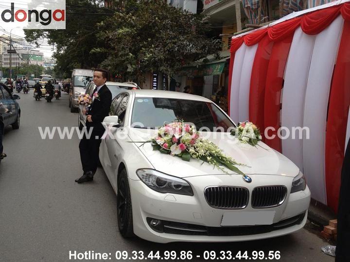 hinh-anh-xe-cuoi-bmw-523i-mau-trang (1)