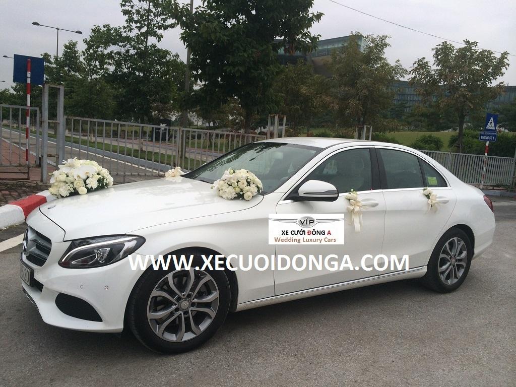 cho-thue-xe-mercedes-c200-model2016