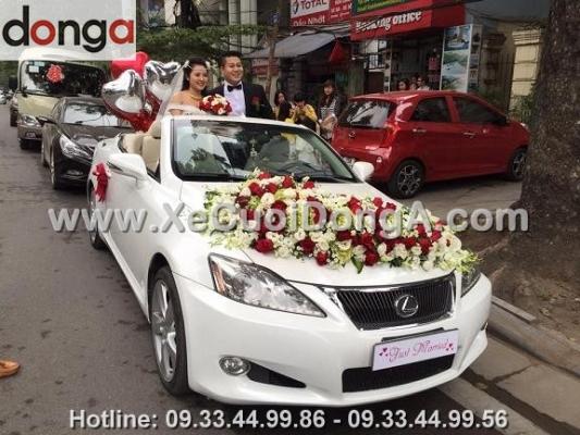 dich-vu-thue-xe-cuoi-lexus-is250c-mui-tran-tai-dong-a-the-nao