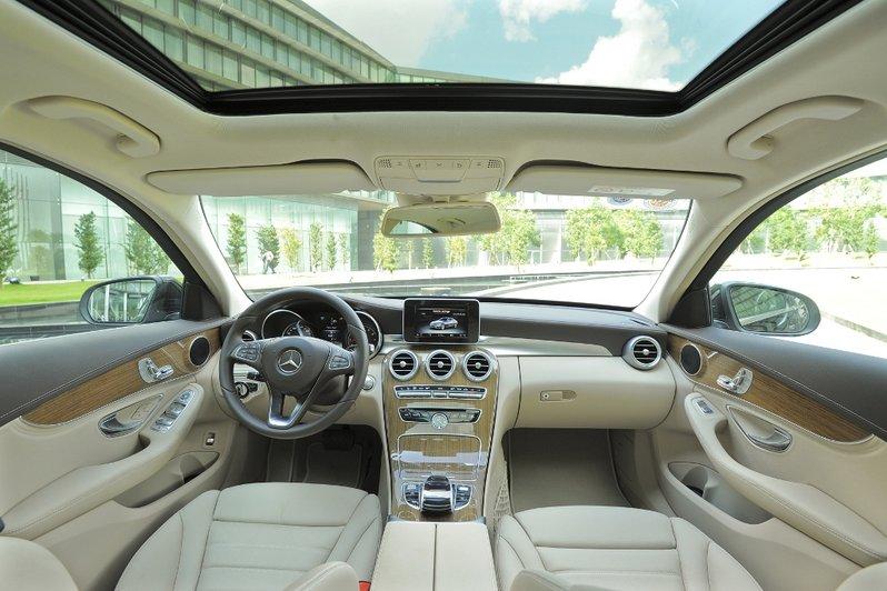 xe-mercedes-c200-model-2015 (2)