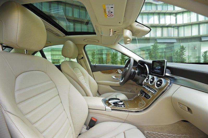 xe-mercedes-c200-model-2015 (3)