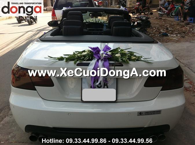 gia-hoa-cuoi-tren-xe-cuoi-bmw-320i-mui-tran-cua-xe-cuoi-dong-a-co-dat-khong (1)