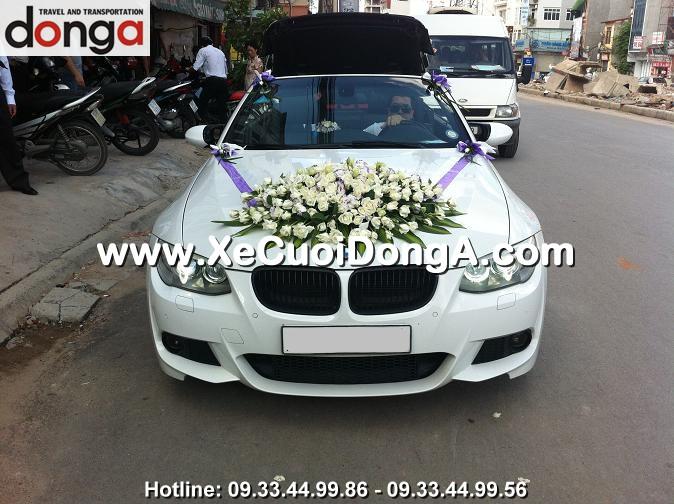gia-hoa-cuoi-tren-xe-cuoi-bmw-320i-mui-tran-cua-xe-cuoi-dong-a-co-dat-khong (2)